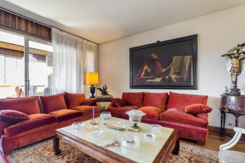 Apartment for sale in Madrid, Spain, 6 bedrooms, 414.00m2, No. 2470 – photo 12