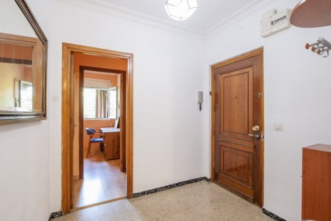 Apartment for sale in Sevilla, Seville, Spain, 5 bedrooms, 123.00m2, No. 2358 – photo 10