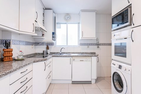 Apartment for sale in Madrid, Spain, 3 bedrooms, 167.00m2, No. 1945 – photo 10