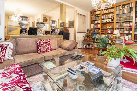 Apartment for sale in Madrid, Spain, 3 bedrooms, 166.00m2, No. 2286 – photo 27