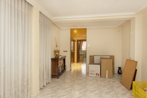 Apartment for sale in Madrid, Spain, 5 bedrooms, 114.00m2, No. 2670 – photo 5
