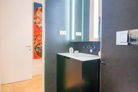 Apartment for sale in Madrid, Spain, 4 bedrooms, 345.00m2, No. 1663 – photo 17