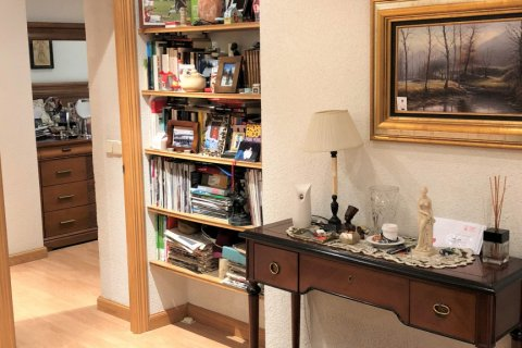 Apartment for rent in Espana, Madrid, Spain, 3 bedrooms, 180.00m2, No. 1639 – photo 8