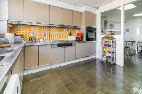 Apartment for sale in Madrid, Spain, 6 bedrooms, 414.00m2, No. 2470 – photo 22