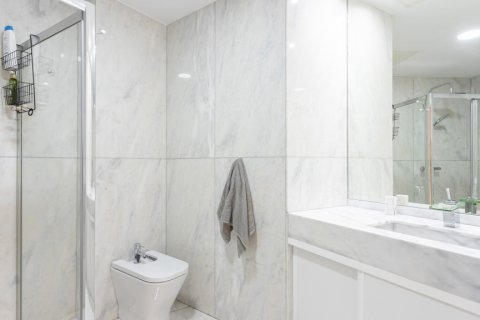 Apartment for sale in Madrid, Spain, 3 bedrooms, 147.00m2, No. 2026 – photo 16