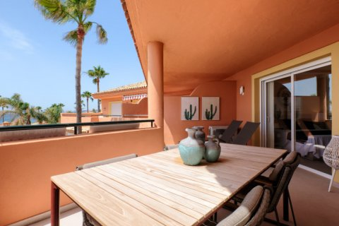 Penthouse for sale in Estepona, Malaga, Spain, 3 bedrooms, 125.00m2, No. 2225 – photo 11