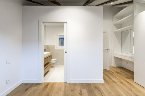 Duplex for sale in Madrid, Spain, 2 bedrooms, 125.00m2, No. 1549 – photo 14