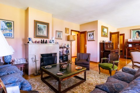 Apartment for sale in Madrid, Spain, 6 bedrooms, 355.00m2, No. 2376 – photo 5