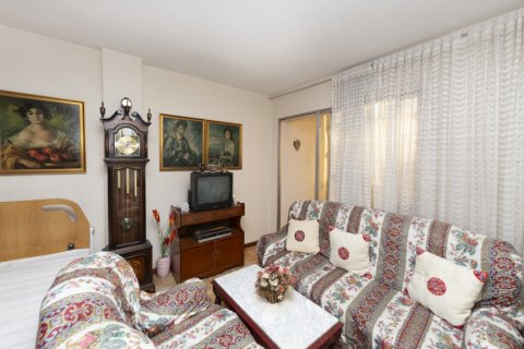 Apartment for sale in Madrid, Spain, 3 bedrooms, 90.00m2, No. 2414 – photo 2