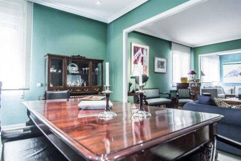 Apartment for sale in Madrid, Spain, 4 bedrooms, 230.00m2, No. 1672 – photo 15