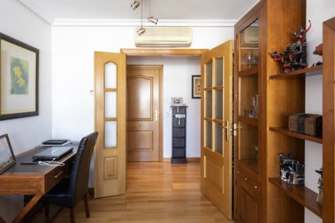 Apartment for sale in Madrid, Spain, 2 bedrooms, 91.00m2, No. 2073 – photo 19