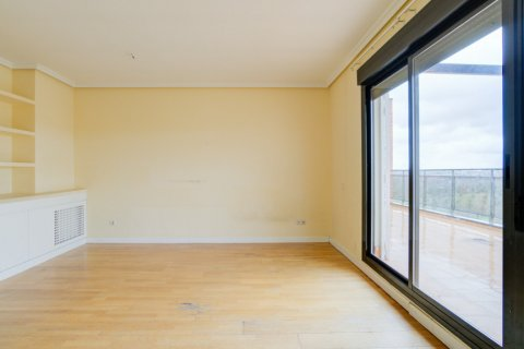 Penthouse for sale in Madrid, Spain, 3 bedrooms, 126.00m2, No. 2556 – photo 8