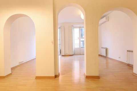 Apartment for sale in Madrid, Spain, 1 bedroom, 83.00m2, No. 2438 – photo 13