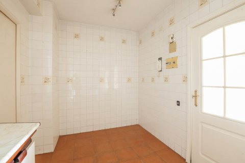 Apartment for sale in Sevilla, Seville, Spain, 5 bedrooms, 204.00m2, No. 2637 – photo 13