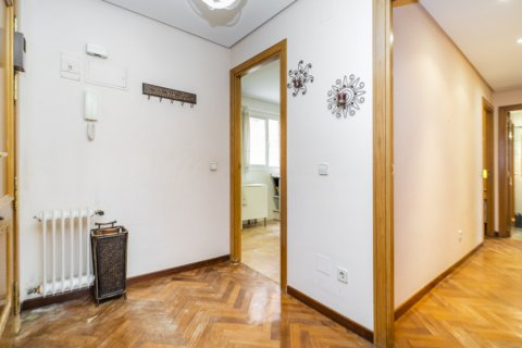 Apartment for sale in Madrid, Spain, 2 bedrooms, 84.00m2, No. 2635 – photo 28
