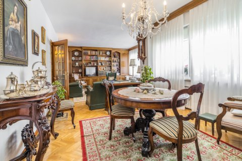 Apartment for sale in Madrid, Spain, 5 bedrooms, 181.00m2, No. 2706 – photo 12