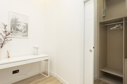 Apartment for sale in Madrid, Spain, 1 bedroom, 50.00m2, No. 2723 – photo 29