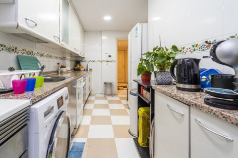 Duplex for sale in Madrid, Spain, 3 bedrooms, 152.00m2, No. 2445 – photo 26