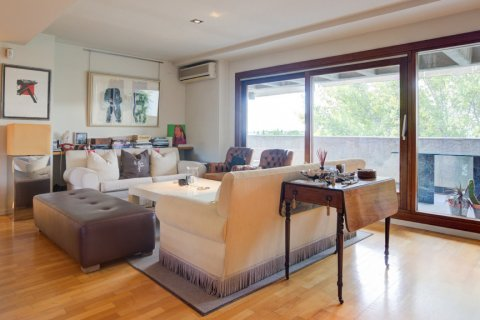Duplex for sale in Madrid, Spain, 3 bedrooms, 160.00m2, No. 2326 – photo 6