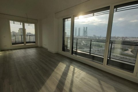 Apartment for rent in Madrid, Spain, 3 bedrooms, 155.00m2, No. 2601 – photo 2