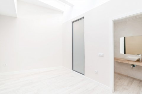 Apartment for sale in Madrid, Spain, 60.00m2, No. 1881 – photo 8