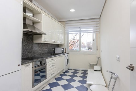 Apartment for sale in Madrid, Spain, 3 bedrooms, 147.00m2, No. 2026 – photo 5