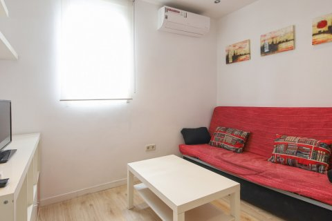 Apartment for sale in Madrid, Spain, 1 bedroom, 40.00m2, No. 2734 – photo 2