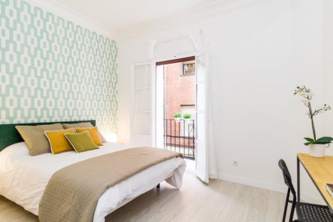 Apartment for sale in Madrid, Spain, 4 bedrooms, 140.00m2, No. 1743 – photo 2
