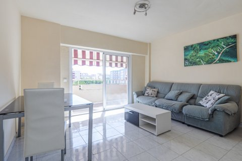 Apartment for sale in Malaga, Spain, 5 bedrooms, 114.00m2, No. 2515 – photo 1