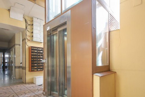 Apartment for sale in Madrid, Spain, 1 bedroom, 40.00m2, No. 2734 – photo 25