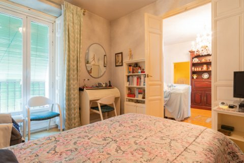 Apartment for sale in Madrid, Spain, 6 bedrooms, 219.00m2, No. 2357 – photo 9