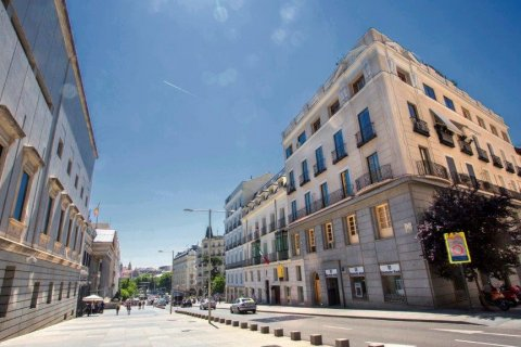 Apartment for sale in Madrid, Spain, 6 bedrooms, 565.00m2, No. 1486 – photo 30
