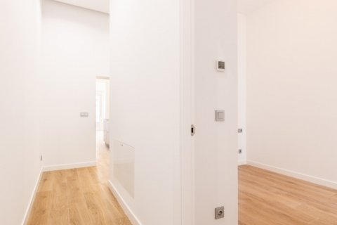 Apartment for sale in Madrid, Spain, 3 bedrooms, 139.00m2, No. 2700 – photo 18