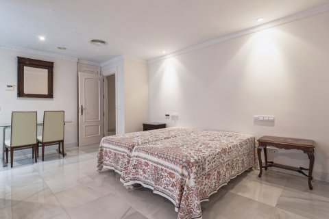 Apartment for sale in Malaga, Spain, 3 bedrooms, 229.00m2, No. 2351 – photo 24