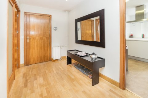 Apartment for sale in Madrid, Spain, 4 bedrooms, 218.00m2, No. 2576 – photo 1
