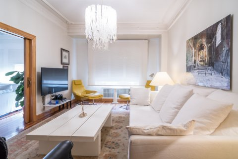 Apartment for sale in Madrid, Spain, 5 bedrooms, 384.00m2, No. 2372 – photo 6