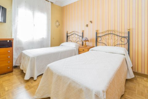 Apartment for sale in Madrid, Spain, 3 bedrooms, 78.00m2, No. 2688 – photo 17