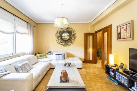 Apartment for sale in Madrid, Spain, 5 bedrooms, 232.00m2, No. 2190 – photo 1