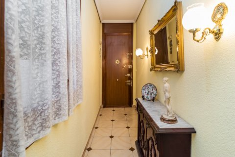 Apartment for sale in Madrid, Spain, 5 bedrooms, 133.00m2, No. 2686 – photo 3