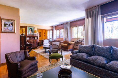Apartment for sale in Madrid, Spain, 6 bedrooms, 355.00m2, No. 2376 – photo 4