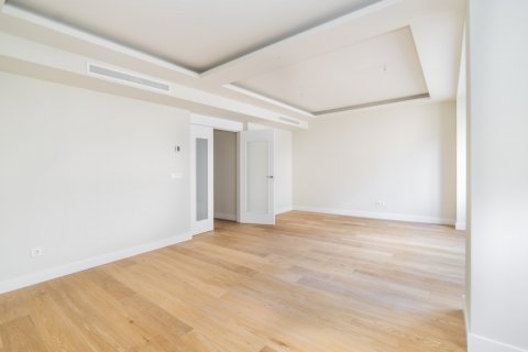 Apartment for sale in Madrid, Spain, 3 bedrooms, 189.00m2, No. 2603 – photo 22
