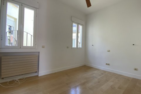 Apartment for rent in Madrid, Spain, 4 bedrooms, 150.00m2, No. 2728 – photo 12