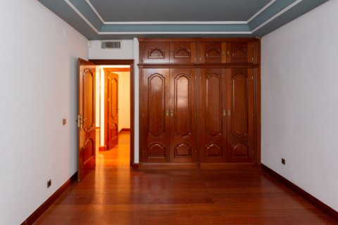 Apartment for sale in Madrid, Spain, 4 bedrooms, 196.00m2, No. 2199 – photo 17