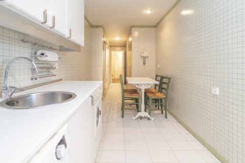 Apartment for sale in Madrid, Spain, 4 bedrooms, 189.00m2, No. 2370 – photo 8