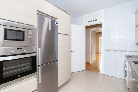 Apartment for rent in Madrid, Spain, 4 bedrooms, 190.00m2, No. 1474 – photo 11