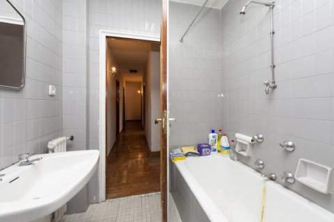 Apartment for sale in Madrid, Spain, 4 bedrooms, 129.00m2, No. 2307 – photo 13