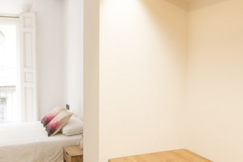 Apartment for sale in Madrid, Spain, 5 bedrooms, 184.00m2, No. 1948 – photo 3