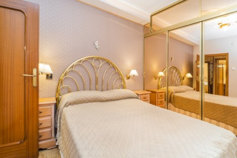 Apartment for sale in Madrid, Spain, 3 bedrooms, 78.00m2, No. 2688 – photo 26
