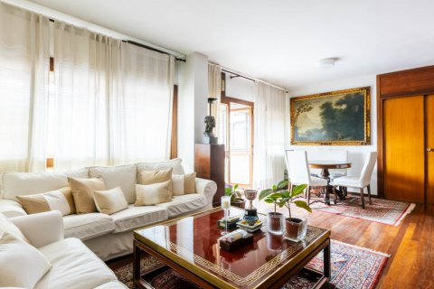 Duplex for sale in Madrid, Spain, 4 bedrooms, 298.00m2, No. 2518 – photo 5