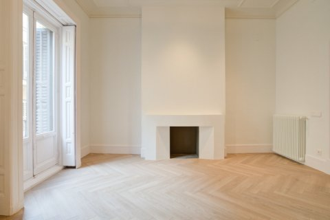 Apartment for sale in Madrid, Spain, 3 bedrooms, 185.00m2, No. 2098 – photo 5